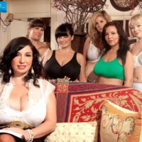 MILF XXX vid starlet Valory Irene and gfs expose huge boobies and bare backsides together
