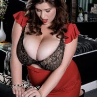 Curvy solo girl Jennica Lynn loosing her giant all-natural titties from a boulder-holder