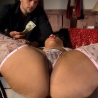 Black stripper Candi Luvv vaunting big butt while sucking cock in stilettos