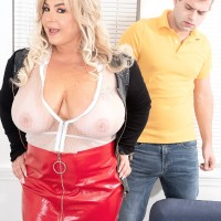 Blonde BIG HOT LADY Amanda Remington uncorks her funbags during seduction action in a spandex mini