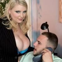 Platinum-blonde BBW secretary Scarlett Rouge seducing her chief for sex on work place desk
