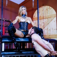 Light-haired wife Alexis Fawx face boinking her sissy hubby with strap-on in spandex boots