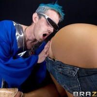 Ash-blonde XXX starlet Nikki Sexx takes a enormous cock up her mischievous sphincter after tonguing it