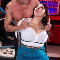 Dark-haired stunner Elle Flynn roped with strap while enduring MMF nipple eating