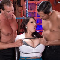 Dark-haired babe Elle Flynn roped with cord while bearing MMF nipple munching