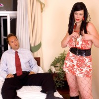 Black-haired MILF XXX starlet Terry Nova giving hj and blowjob in fishnet body-stocking