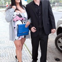 Black-haired chunky Nila Mason elations her man friend with her funbags