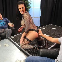 Dark-haired stripper London Keyes giving blow job before getting poked for money