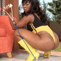Big-chested black MILF Ambrosa Jones boinking monster-sized cock in gam warmers and pumps