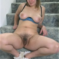 Big-titted Euro amateur demonstrating wooly pits and muff in the nude