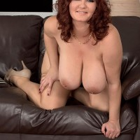 Plump babe Vanessa Y vaunting gigantic natural draping boobies in hose