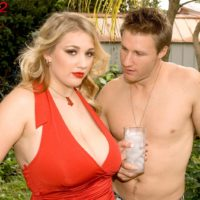 Plump platinum-blonde babe Shyla Bashful revealing gigantic juggs and hard nips outdoors