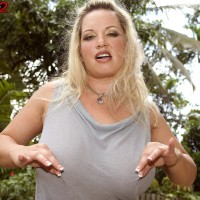 Plump blond MILF Rachel Enjoy uncovering lovely tits outdoors for nip sucking