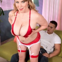 Chubby fair-haired XXX star Desiree unsheathing massive melons and delivering FELLATIO in tights