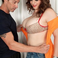 Round chick Jessica Roberts is disrobed and seduced by her masseur