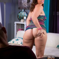 Plumper black-haired female Peridot flashing enormous upskirt ass in g-string underwear and high-heeled shoes