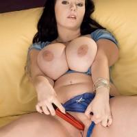 Brown-haired BIG BEAUTIFUL WOMAN Denisa exposing massive boobies from bra before masturbating coochie