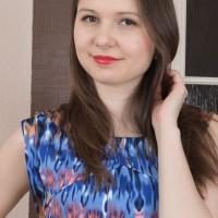 European brunette first timer Slava Sanina vaunting adorable ass-cheeks and furry twat