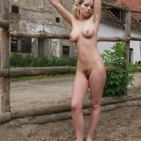 Chick next door type rides her horse in the naked before showing wooly cootchie in area