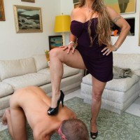 High heel garbed bossy type Holly Halston having collared sissy slurp out cooter