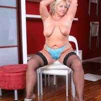 Experienced sandy-haired BIG HOT LADY undressing out of mini-skirt and lingerie to pose overweight ass cheeks in the nude