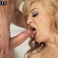 Experienced blond gal Veronique providing blow-job after receiving loosening rubdown
