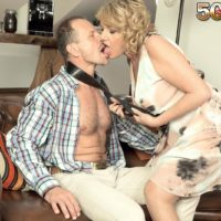 Aged light-haired broad gets around to delivering a fellatio after foreplay in nylons