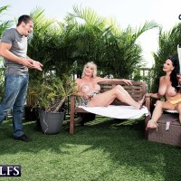 Aged doll Rita Daniels and her wife tempt and gobble off a younger guy