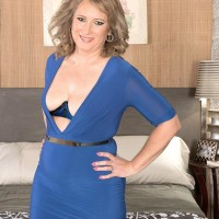 Elderly fair-haired lady Catrina Costa taunts her roped up lover in pantyhose and stilettos