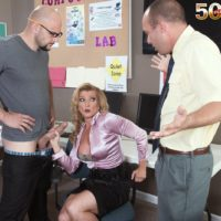 Over 50 ash-blonde MILF instructor Amanda Verhooks caught delivering oral job in classroom