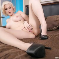Caucasian BBW Jenna Ivory delivering a blow-job before hardcore anal-fucking in high heels