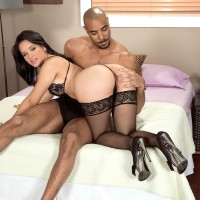 Spectacular MILF Cici Love has her enormous backside seized by her ebony paramour in hosiery and high-heels