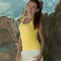 Slim amateur Scarlett Nika gliding off panties outdoors for wooly honeypot parting
