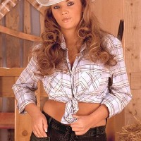 Babe Ines Cudna letting big juggs free in denim jeans and cowgirl hat in barn