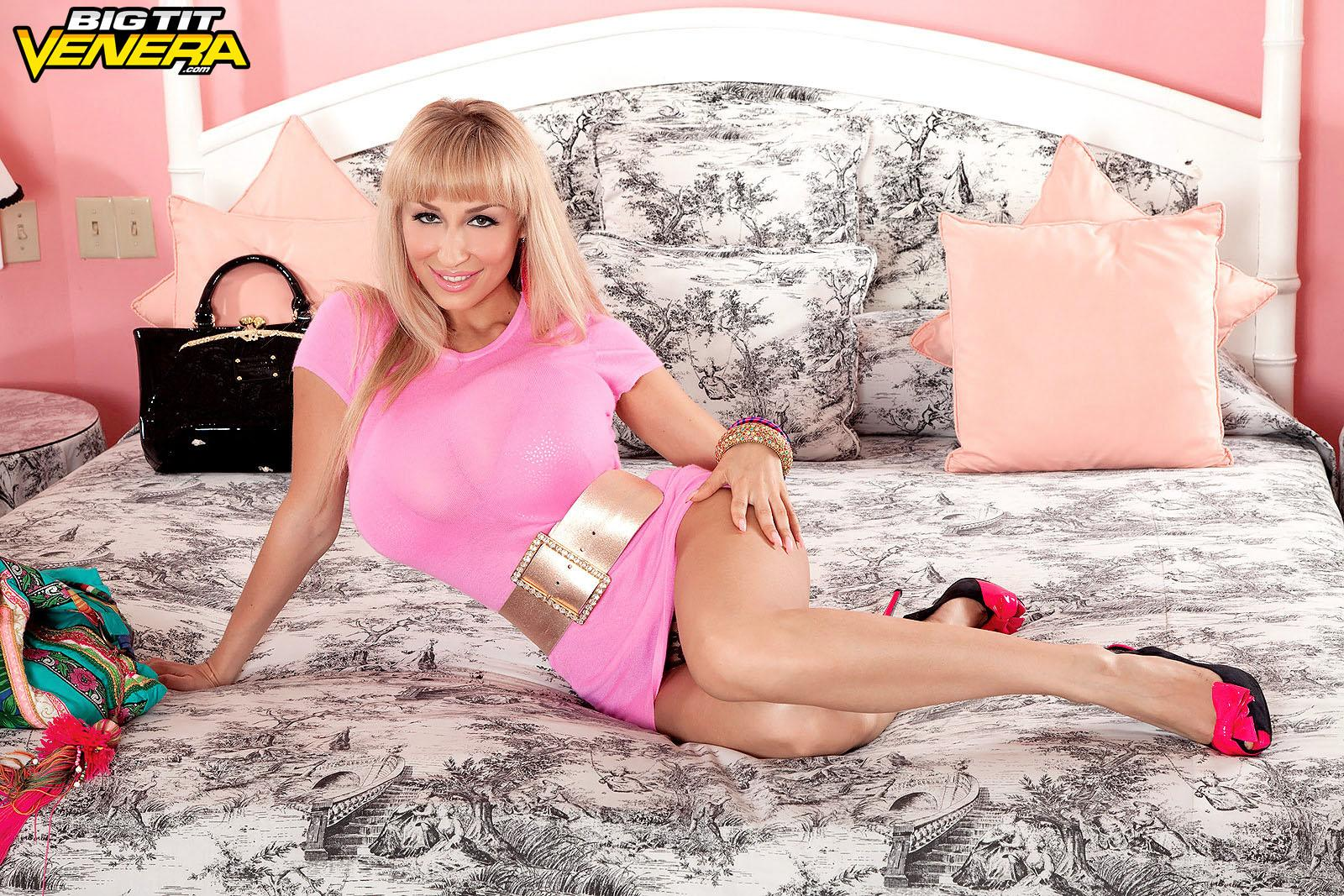 Spindly blond MILF Venera pulling out her big funbags from semitransparent ebony lingerie