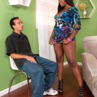 Plumper ebony girl Aaliyah Envy twerks her gigantic butt while seducing a her man acquaintance