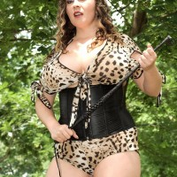 Thick MILF Jana wields a cane while loosing fun bags during an outdoor hj