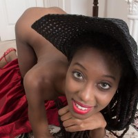 Slender ebony amateur Saf opens up her all-natural cunt while adorned a sun hat and high-heeled shoes