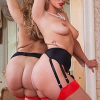 Top XXX flick starlet Paige Turnah pulverizes two guys simultaneously in tights and garters